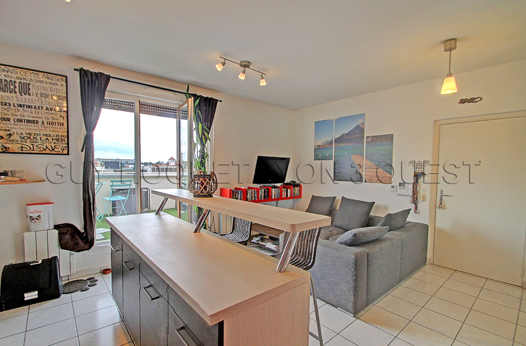appartement-villeurbanne-2-pieces-small-0